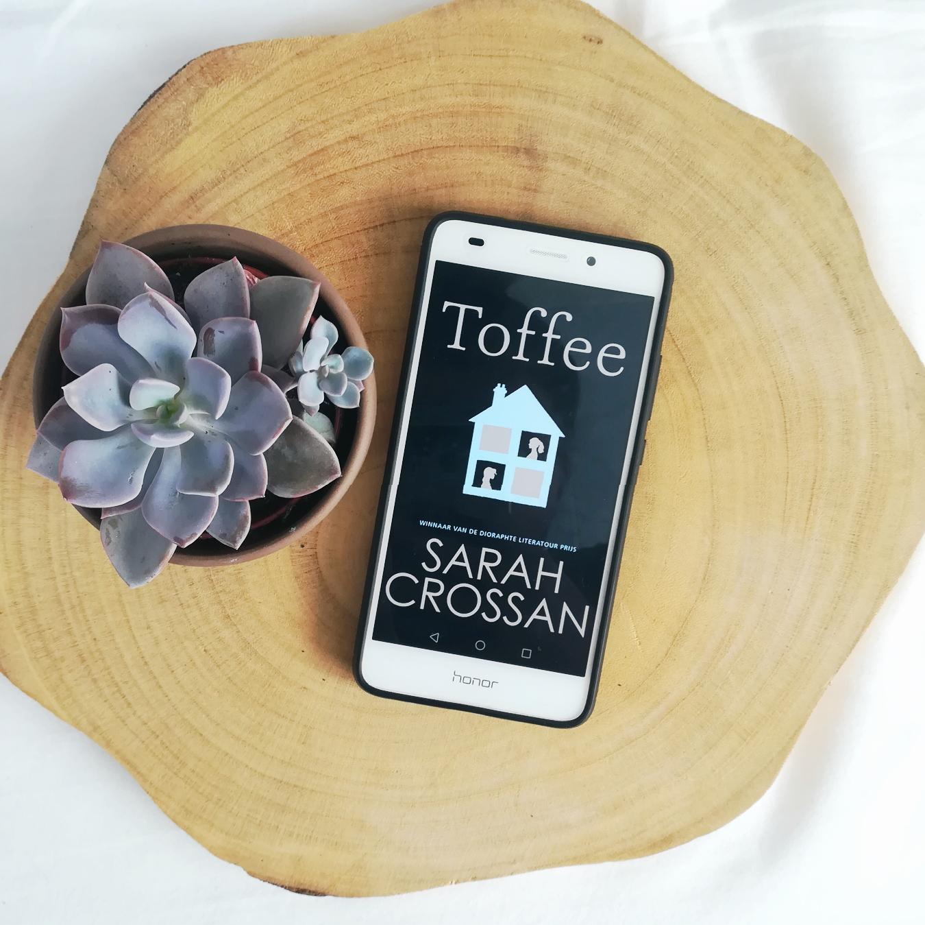Toffee - Sarah Crossan | Marieke's Books recensie